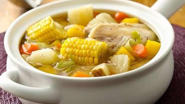 3 formas fáciles de hacer el caldo de pollo para la cena